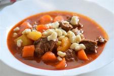 Maďarsko - miestna kuchyňa